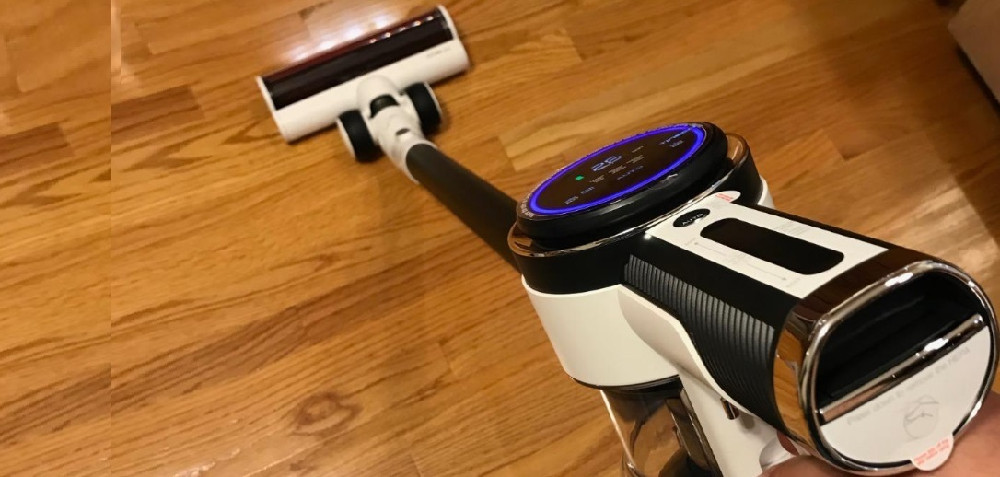 Tineco PURE ONE S12 vs. Dyson V8 Stick Vacuum Cleaners