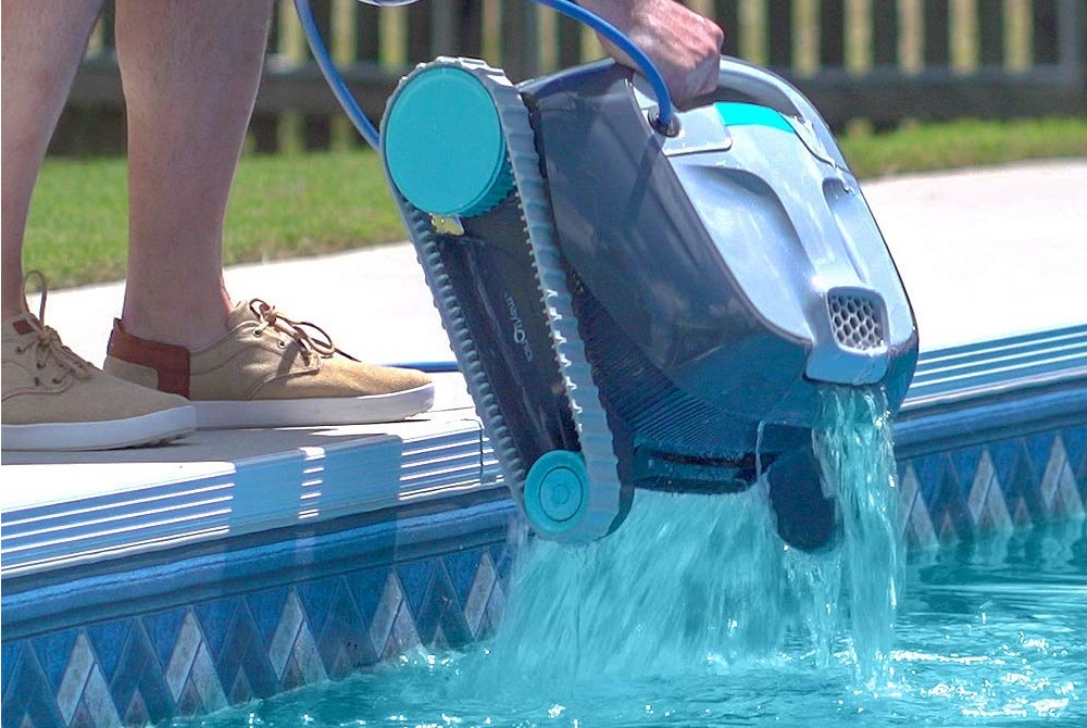 Dolphin Advantage Robotic Pool Cleaner Review