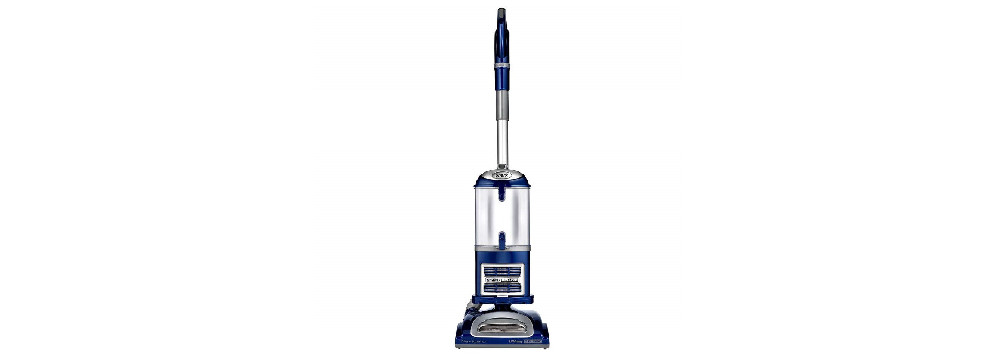 Shark Navigator Lift-Away Deluxe Upright Vacuum