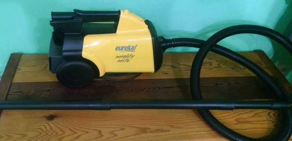 Eureka Mighty Mite Canister Vacuum 3670G Review
