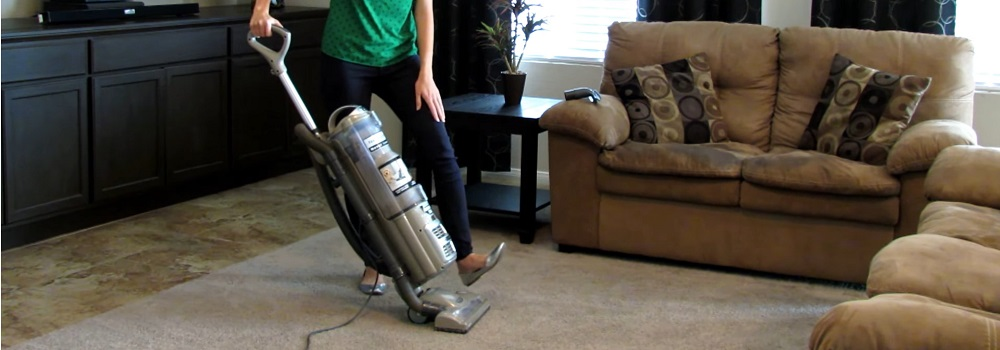 Shark Upright Vacuum Silver NV70